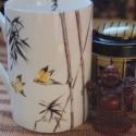 kézzel festett porcelán bögre, Baba-mama-gyerek, Konyhafelszerelés, Bögre, csésze, Porcelán bögre, általam kézzel festett keleties madár-bambusz mintával, porcelánfesték felvi..., Meska