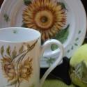 kézzel festett porcelán szett, Baba-mama-gyerek, Konyhafelszerelés, Bögre, csésze, Porcelán bögre + tányér, általam kézzel festett, virág motívummal, porcelánfesték felvitel..., Meska