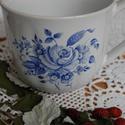 kézzel festett porcelán bögre , Férfiaknak, Konyhafelszerelés, Bögre, csésze, A bögre kézi festéssel díszített virágcsokor motívummal.4,5 dl-es, magassága: 9 cm, átm.: 9..., Meska
