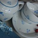 kézzel festett porcelán szett, Konyhafelszerelés, Kancsó , Festett tárgyak, Porcelánszett (kanna, 2 csészécske, tálka) általam kézzel festett kék virág motívumokkal, porcelánf..., Meska