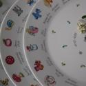 kézzel festett porcelán tányér, Baba-mama-gyerek, Konyhafelszerelés, Festett tárgyak, 27 cm átmérőjű tányér ovis jelekkel, a megrendelő egyéni kérése alapján készült, az általa küldött ..., Meska
