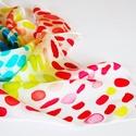 Candy vidám pöttyös selyemkendő, Ruha, divat, cipő, Kendő, sál, sapka, kesztyű, Kendő, Női ruha, Élénk, vidám színek díszítik a gyönyörű fehér selymet. Mint sok-sok cukorka. Sárga, rózsaszín, piros..., Meska