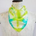 Türkiz élénkzöld mintás selyemkendő, Ruha, divat, cipő, Kendő, sál, sapka, kesztyű, Kendő, Igazi tavaszi színek ragyognak ezen a geometrikus mintás selyemkendőn.  Laza divatos viselet farmerh..., Meska