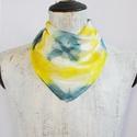 AKCIÓ! Napsárga szürke mintás selyemkendő, Ruha, divat, cipő, Kendő, sál, sapka, kesztyű, Kendő, Selyemfestés, Igazi tavaszi színek ragyognak ezen a geometrikus mintás selyemkendőn.  Laza divatos viselet farmer..., Meska
