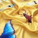 Bogaras sárga selyemkendő, Ruha, divat, cipő, Kendő, sál, sapka, kesztyű, Kendő, Bogarak és rovarok lepték el ősszel selyemkendőmet. Élénksárga alapon réz színű kontúrral emeltem ki..., Meska