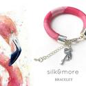 Flamingós selyem karkötő, Ékszer, óra, Karkötő, A silkandmore karkötőket is elérte a flamingó őrület! A pasztell rózsaszín saját festésű selyemkarkö..., Meska