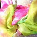 Fukszia lila és menta zöld selyemsál, Ruha, divat, cipő, Kendő, sál, sapka, kesztyű, Kendő, Selyemfestés, anyaga:100% selyem mérete:150*40 cm Színvilága : fukszia lilás és olajzöld különböző árnyalatai. Ez..., Meska