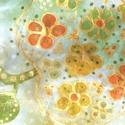 Aranyalma mintás selyemkendő, Ruha, divat, cipő, Kendő, sál, sapka, kesztyű, Kendő, anyaga: 100% selyem mérete : 74*74 cm Alapszínei : pasztell barackszín , bézs,halvány mohazöld..., Meska