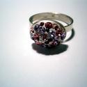 SWAROVSKI KÖVES GYŰRŰ, Ékszer, óra, Gyűrű, Ékszerkészítés, Ötvös, Ovális(11x15mm) foglalatú gyűrű,Swarovski kövekkel kirakva.Rózsaszín és lila árnyalatúak a kövek.92..., Meska