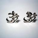 Óm jel ezüst füli , Ékszer, Fülbevaló, 925-ös ezüstből készítettem a bedugós fülit.11,5x12,5 mm a nagysága., Meska