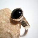 Ónix köves gyűrű, Ékszer, óra, Gyűrű, Ékszerkészítés, Ötvös, 12mm-es kerek fekete kaboson kőhöz készítettem a gyűrűt.56-os a gyűrűmérete.Polírozott,fényes felül..., Meska