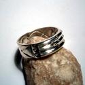 Atlantiszi gyűrű ezüstből, Ékszer, óra, Férfiaknak, Gyűrű, Óra, ékszer, kiegészítő, Ékszerkészítés, Ötvös, A gyűrű 925-ös ezüstből készült fémjelzett ékszer 61-es méretű.6,5 mm széles.4 furattal,belső hullá..., Meska