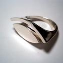 Kettő az egyben, Ékszer, Gyűrű, Ezt a gyűrűt a húgom kérésére  készítettem.Rendelésre készítek  másikat.Az íves része ..., Meska