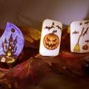 Halloween medálok, Ékszer, Dekoráció, Medál, Ünnepi dekoráció, Sütőtök, denevérek, boszorkányseprű, pókok, elvarázsolt kastély, sír - ezek mind a Halloween ünnep j..., Meska