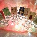 Karácsonyi ajándékkísérő kártya, Dekoráció, Ünnepi dekoráció, Karácsonyi, adventi apróságok, Ajándékkísérő, képeslap, Különböző karácsonyi szimbólumokkal ellátott, pirográfolt és színezett kártya, melynek hátuljára a m..., Meska