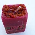 Tömb gyertya csoki-eper illattal 17., Dekoráció, Otthon, lakberendezés, Gyertya, mécses, gyertyatartó, Csoki-eper illatú,2 színű,nagyobb méretű tömbgyertya,súlya:315gramm,7x9x6,5cm., Meska