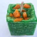 Tömb gyertya mandarin-bazsalikom-lime illattal 22., Dekoráció, Otthon, lakberendezés, Gyertya, mécses, gyertyatartó, Mandarin-bazsalikom-lime illatú,2 színű,nagyobb méretű tömbgyertya,súlya:304gramm,7x7,7x7cm., Meska