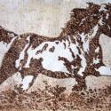 """""""Ügető ló"""" - hőrajz merített papíron, Dekoráció, Képzőművészet, Kép, Grafika, Fotó, grafika, rajz, illusztráció, Merített papírra készített hőrajz egy ügető lóról.  A papír alapszíne és a hő által létrejött számt..., Meska"""