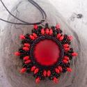 Piros-fekete szett, Ékszer, óra, Ékszerszett, Fülbevaló, Nyaklánc, Ékszerkészítés, Gyöngyfűzés, Piros és fekete szuperduoból, apró kásagyöngyből készült ez a mutatós ékszerszett mely nyakláncból ..., Meska