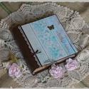 Ragyogó kék mintás fotóalbum 100 db fényképnek, Naptár, képeslap, album, Fotóalbum, Jegyzetfüzet, napló, Decoupage, transzfer és szalvétatechnika, Papírművészet, Ragyogó kék vintage mintás fotóalbumot készítettem, amelybe 100 db 10x15-ös képet tudsz elhelyezni...., Meska