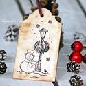 """""""Hóember"""" Karácsonyi ajándékkísérő, Dekoráció, Karácsonyi, adventi apróságok, Ajándékkísérő, képeslap, Karácsonyi dekoráció, Egyedi készítésű karácsonyi ajándékkísérő, melyet strukturált felületű kartonra nyomdázással készíte..., Meska"""