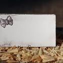 """""""Masni"""" ültetőkártya, Esküvő, Esküvői dekoráció, Meghívó, ültetőkártya, köszönőajándék, Egyedi készítésű ültetőkártya, melyet strukturált felületű kartonra nyomdázással (nem nyomtatással) ..., Meska"""