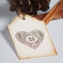 """""""Kötött szív"""" Karácsonyi ajándékkísérő, Karácsonyi, adventi apróságok, Ajándékkísérő, képeslap, Karácsonyi dekoráció, Egyedi készítésű karácsonyi ajándékkísérő, melyet strukturált felületű kartonra nyomdázással készíte..., Meska"""