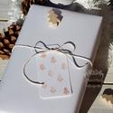 """""""Mini fenyők"""" karácsonyi ajándékkísérő, Dekoráció, Ünnepi dekoráció, Karácsonyi, adventi apróságok, Ajándékkísérő, képeslap, Karácsonyi dekoráció, Egyedi készítésű karácsonyi ajándékkísérő, melyet strukturált felületű kartonra pecséttel készítette..., Meska"""