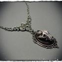 Kis kámeás nyakláncok, ezüst láncon, kis középdísszel, Ékszer, Ezüst színű láncon, kézzel festett egyedi kivitelezésű farkaskoponya kámea. . A medál mére..., Meska