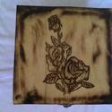 Fa doboz, Mindenmás, Rétegelt lemezből készült fa doboz égetéssel díszítve., Meska