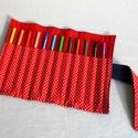 Pöttyös ceruzatekercs, Baba-mama-gyerek, Táska, Játék, Gyerekszoba, Praktikus, helyes kis ceruzatekercs, amibe 12 db ceruza helyezhető el. Alapanyaga kívül sötétkék far..., Meska