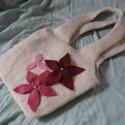 Rózsaszín álom: nemez válltáska  58%kedvezmény!, Táska, Válltáska, oldaltáska,   100% természetesség, valódi gyapjúból nemezeltem ezt a kis táskát, anyaga jó vastag, strapabíró le..., Meska