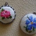 Hímzett medál 19. századi minta alapján, Szép és elegáns hímzett medál 19. századi mi...