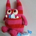 Zak, a kis szörnyecske =o), Baba-mama-gyerek, Zak-nek van egy titkos kis zsebe, oda rejti az apró finomságokat...ne legyenek szem előtt...nehezebb..., Meska