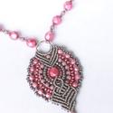 Rose - makramé nyaklánc, Ékszer, Nyaklánc, Gyönyörű rózsaszín, világos mályva és ezüst szín találkozása. A medál alapja ezüstszürke makramé fon..., Meska