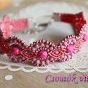 Pink és mályva - makramé karkötő, Ékszer, Karkötő, Gyönyörű pink, világos mályva és rózsaszínek találkozása. A karkötő alapja barackvirág makramé fonal..., Meska