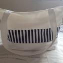 női táska, Táska, Válltáska, oldaltáska, Varrás, Eladó a képen látható táska. Fekete és fehér csíkos vászonból varrtam.  A táska 43 cm hosszú felül ..., Meska