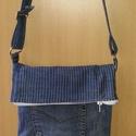 Kicsi farmer táska, Táska, Válltáska, oldaltáska, Varrás, Ez egy újra hasznosított farmer táska. Méretei magasság 24 cm kihajtva 34 cm.szélesség 23 cm oldal ..., Meska