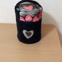 Pipere táska, Táska, Neszesszer, Farmerből és pamutvászonból készült ez a kedves kis táska minden bele fér amire egy hölgyne..., Meska