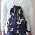 selyem  mintás hátizsák, Táska, Hátizsák, Nagyon praktikus és divatos hátizsákot készítettem   Nagyon  mutatós .. Méretei magasság 35 ..., Meska