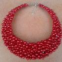 L1692 piros tekla és csiszolt gyöngyös nyaklánc, Ékszer, Esküvő, Nyaklánc, Horgolt ékszerdróton kiváló minőségű tekla és csiszolt üveggyöngyök. Az ékszerdrót puha..., Meska