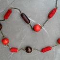 Piros-barna hosszú nyaklánc L2003, Ékszer, óra, Nyaklánc, Piros és sötétbarna fa és bőrgyöngyökből készült 84cm hosszú nyaklánc.   , Meska