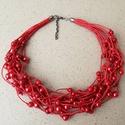 L2113  Magic of Love nyaklánc , Piros gyöngyök pamut viaszolt szálakon.    A ny...