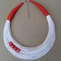 20% kedvezmény: L2136 fehér-piros nyaklánc , Ékszer, Nyaklánc, 20% kedvezmény!!! A nyaklánc eredeti ára 1790 ft.   Fehér nyaklánc piros kerámia gyöngyökkel..., Meska