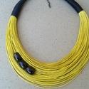 L2443 Napsárga pamut nyaklánc,  Napsárga nyaklánc  3 fekete-arany gyönggyel.  ...