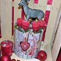 Adventi asztaldísz 20cm kerek dobozban, szarvasos, Dekoráció, Ünnepi dekoráció, Karácsonyi, adventi apróságok, Karácsonyi dekoráció, Virágkötés, 20cm átmérőjű adventi asztaldísz kerek dobozban, szarvassal, gyertyákkal, termésekkel és egyéb deko..., Meska