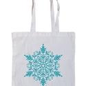 Karácsonyi vászontáska, Táska, Dekoráció, Válltáska, oldaltáska, Szatyor, Fotó, grafika, rajz, illusztráció, Fehér klasszikus bevásárló táska könnyű pamut anyagból. Türkizkék hópihés mintával szitázva, két ho..., Meska