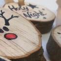 Fa karácsonyi dekoráció, Dekoráció, Mindenmás, Dísz, Famegmunkálás, Fotó, grafika, rajz, illusztráció, 8 darab juharfa szeletből álló, kézzel rajzolt karácsonyi dekoráció karácsonyfára., Meska