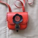Kétfunkciós kicsi piros női táska, Táska, Válltáska, oldaltáska, Bőrművesség, A TERMÉK ELKÉSZÍTÉSI IDEJE VÁLTOZHAT A MEGADOTTHOZ KÉPEST,RENDELÉS MENNYISÉGÉTŐL FÜGGŐEN HAMARABB I..., Meska