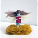 Krónikás Tündér/Kicsi lány nagy könyvvel - tűnemezelt baba, dísz, függő, Dekoráció, Otthon, lakberendezés, Nemezelés, Ez a picike Krónikás Tündér a soproni Tündérfesztivál volt krónikásának készült :-)  Szerintem a sz..., Meska